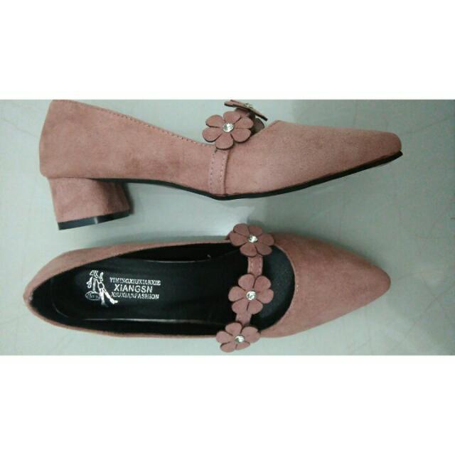 Sepatu Lasenora