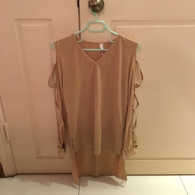Sleeves cut out top