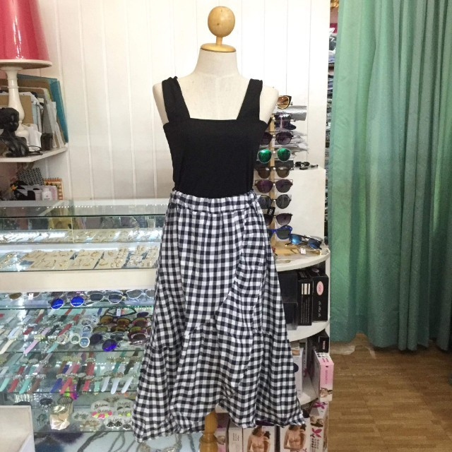 Terno gingham skirt and top