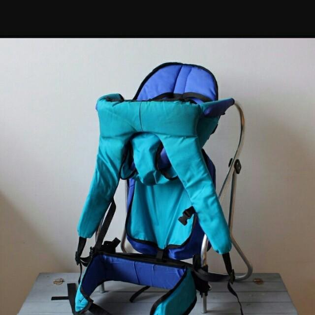 6bece56baff Tomy Snugli Baby Carrier Hiking