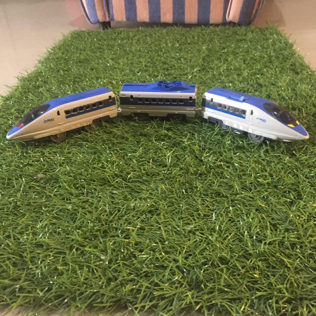 Tomy kereta plarail shinkansen