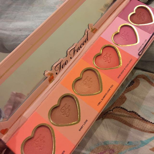 too faced love flush blush pallete