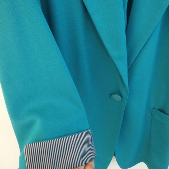 Turquoise blazer - Suzy shier