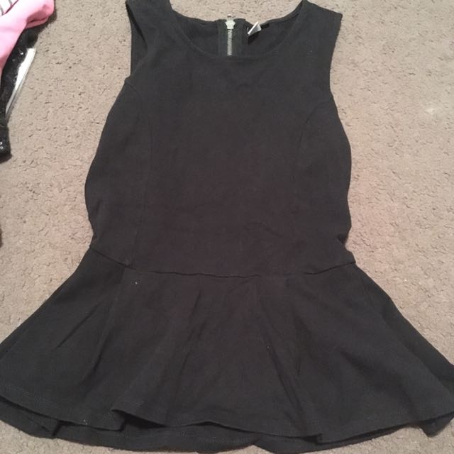 Women's size small black peplum top - glassons