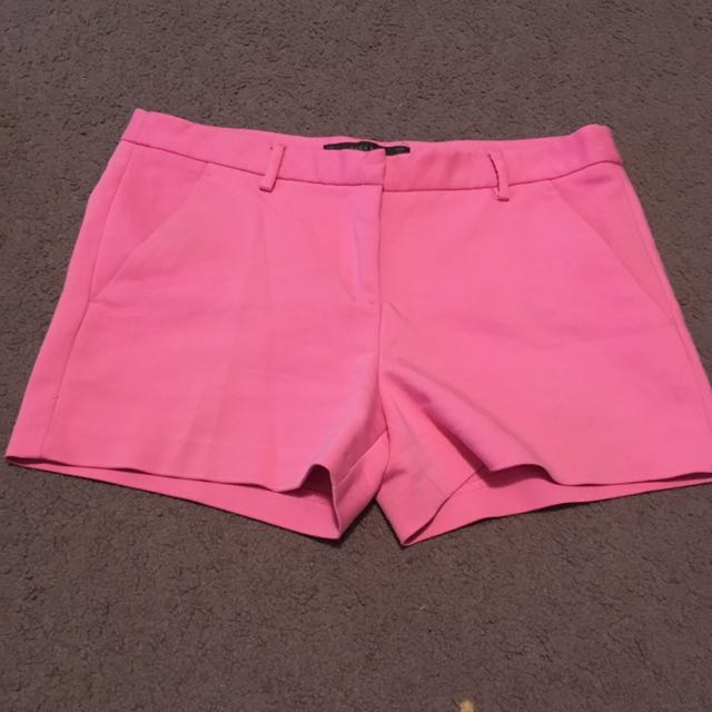 Women's size small Zara basic pink tailored shorts