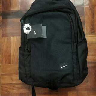 fb70262ff31f Nike Backpack Bag with Laptop Sleeve - Original  Brand new