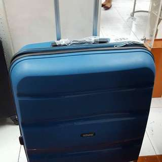 American Tourister 4 Wheel Large Spinner Case