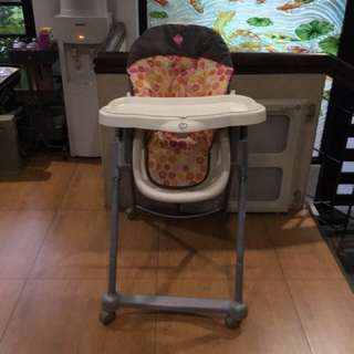 Safety first AdapTable high chair