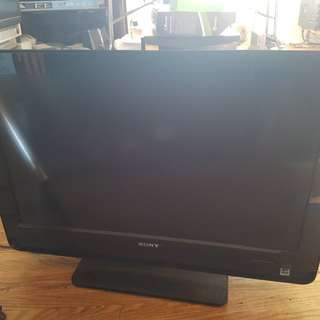 """Sony Bravia 32"""" TV 720p"""