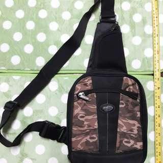 Mad Catz original sling bag for PSP and accessories