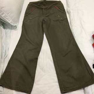 Mamas and Papas maternity trousers size 6 olive green colour good condition