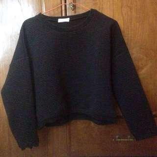 Sweater hitam