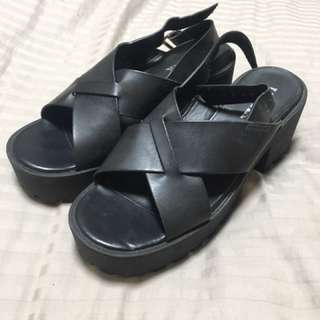 Lipstik shoes chunky sandals