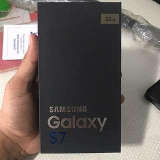 Brand New Samsung S7 32GB (Gold Platinum)