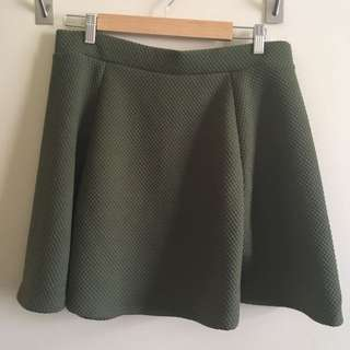 h&m bnwt green textured circle skirt with exposed zip, womens size large