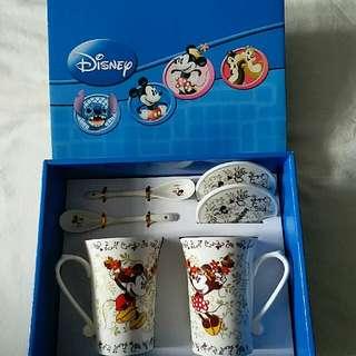 100% NEW Disney Mickey & Minnie Mug with Lid & Spoon (2 sets) 米奇米妮杯一對