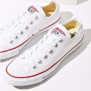 Converse Chuck Taylor All-Star Low-Tops (White) — Size 9 Mens US