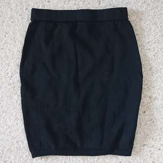 Black bodycon mini skirt with knit detail