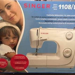 Singer Sewing Machine 1108/8280