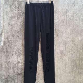 Black ripped leggins