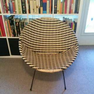 Wicker circle chair SOLD pending pick up