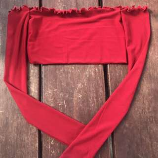 Red long sleeve crop