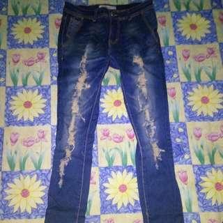 REPRICEEEEE Ripped Jeans