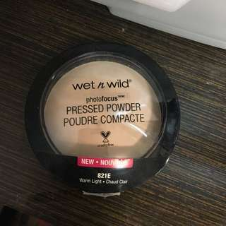 wet n wild photofocus 蜜粉餅 #兩百元彩妝出清