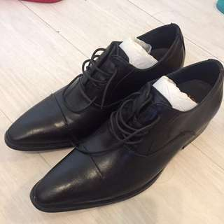 New UK size 40 oxbridge town shoes
