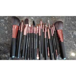 15-20 Pack of Makeup Brushes PRE ORDER