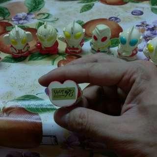 陶瓷咸蛋超人公仔