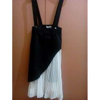 Black and white pleated jumper skirt