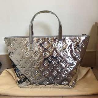 Louis Vuitton 銀色復刻版手挽袋