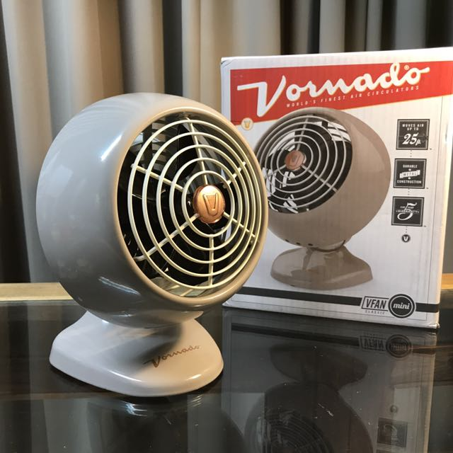 限量現貨 Vornado Vfan mini 沃拿多奶茶色復古風扇 復古灰款 代購商品