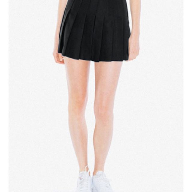 American Apparel Tennis Skirt in Black, size M