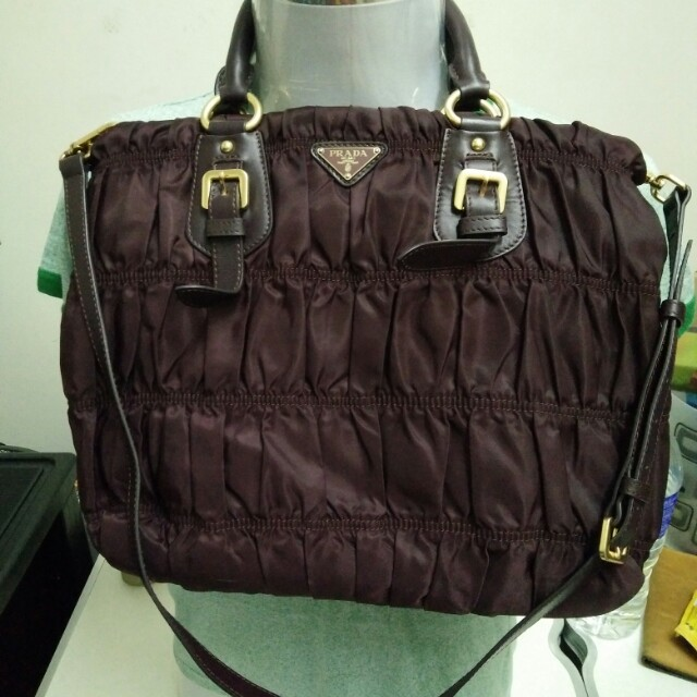 Authentic Prada tessuto gaufre ruched, Women s Fashion, Bags ... ce74d8331e