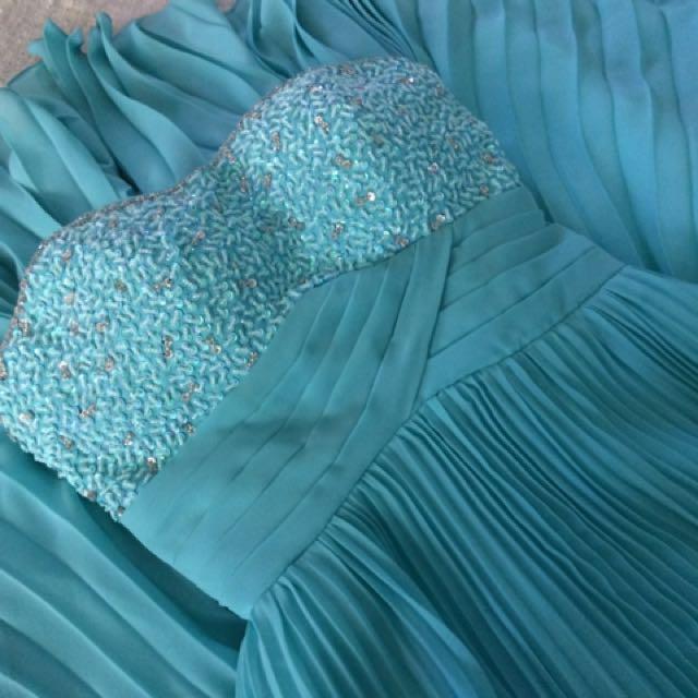 Beautiful Mint Green/ Blue Prom & Graduation Dress!