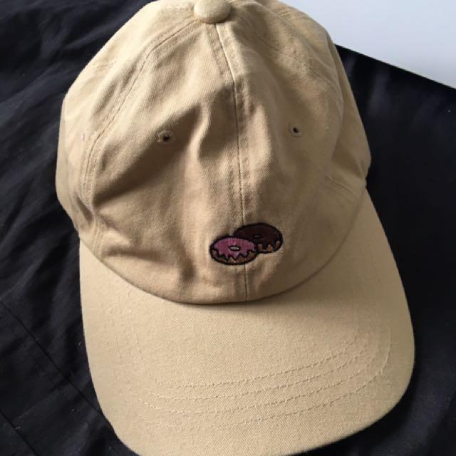 BEIGE DONUT CAP