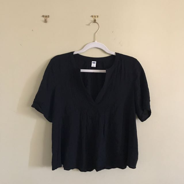 Black Old Navy Flowy Blouse