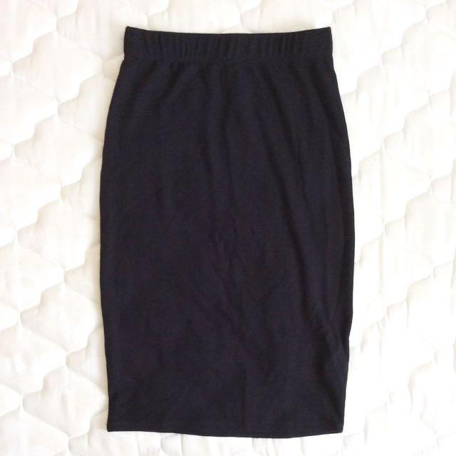 BNWT Bodycon Ribbed Midi Skirt Black