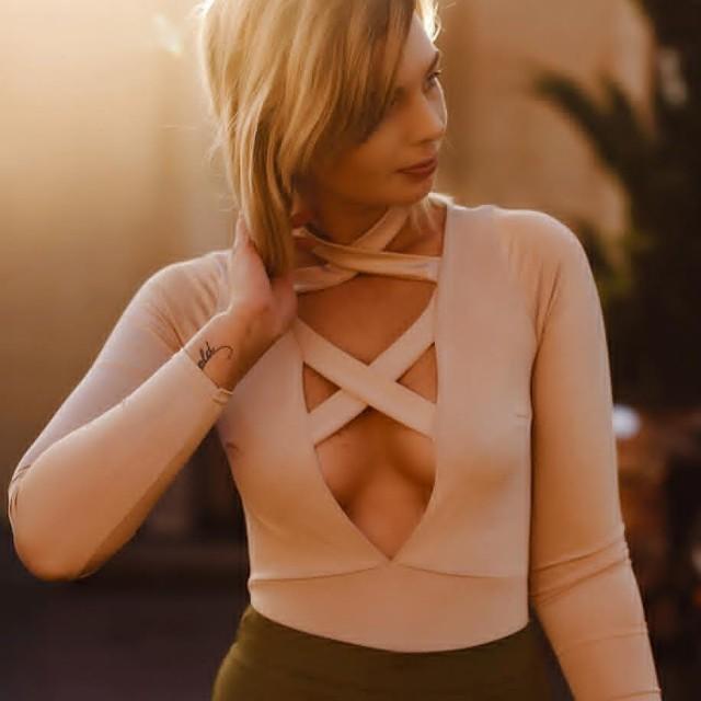 Boohoo Crisscross Bodysuit Size 10 #100cash