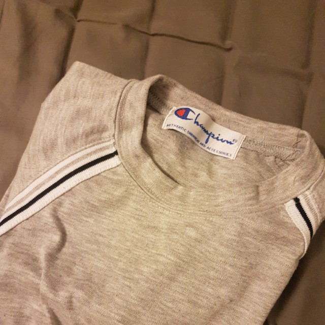 Champion shirt size S