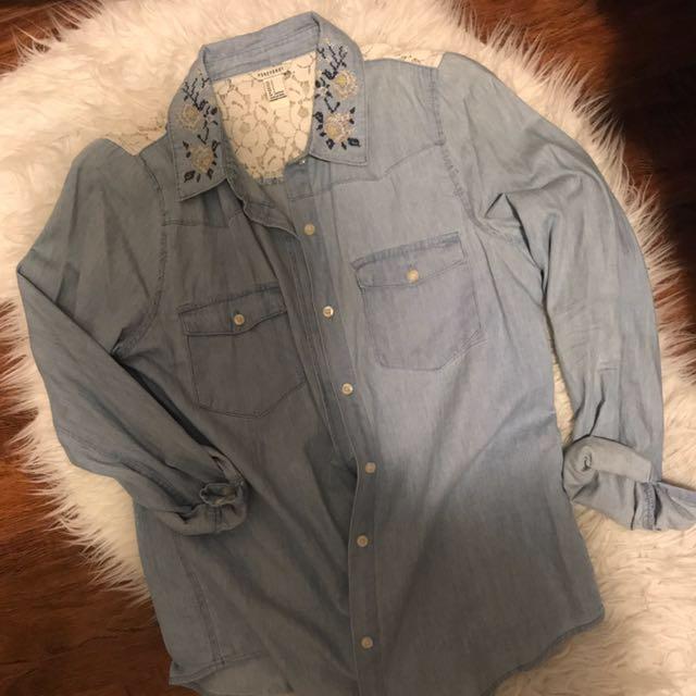 Denim shirt with details
