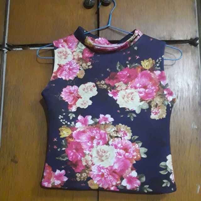 Floral Cropped Sleeveless Top
