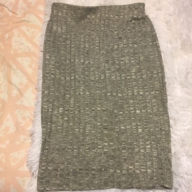 Gray tight skirt