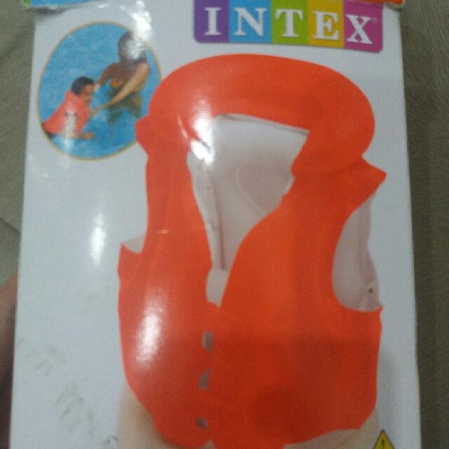 INTEX SWIM VEST