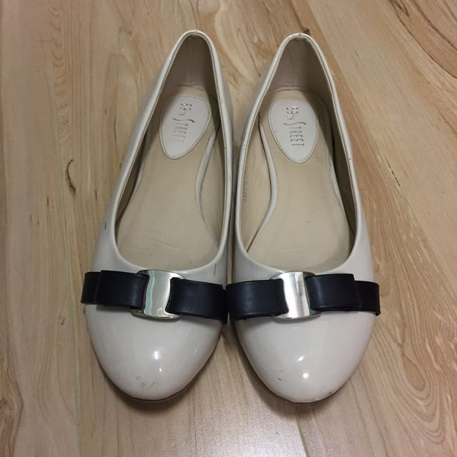 Leather Flats (size 40)