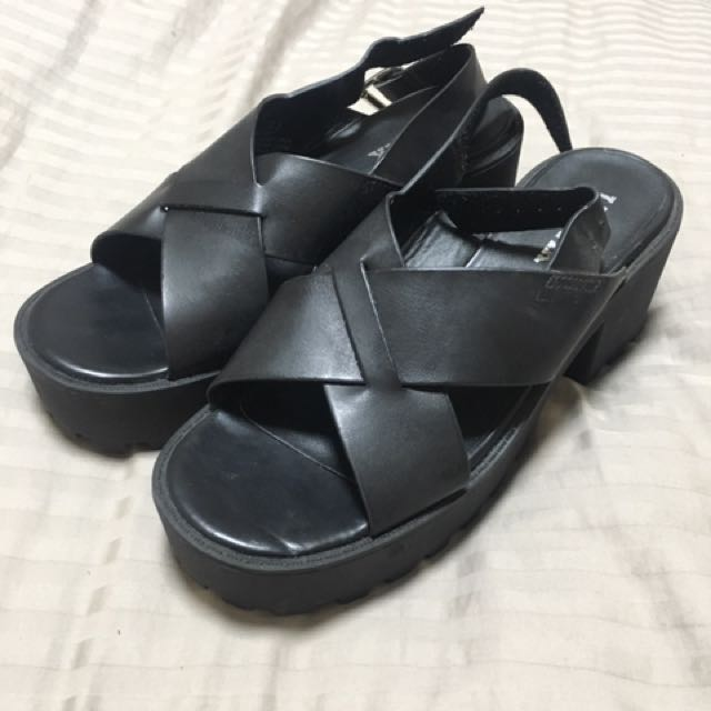 Lipstik shoes chunky sandals