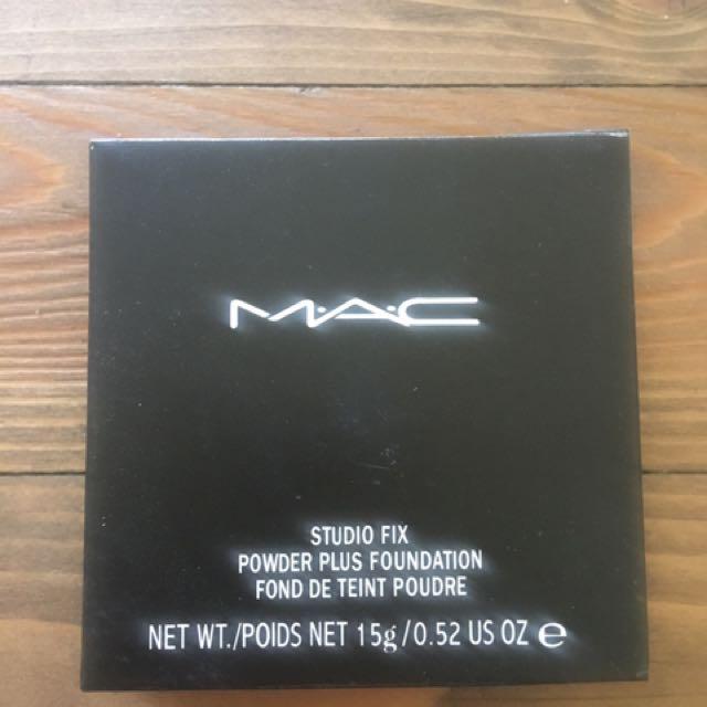 MAC Cosmetics Studio Fix Foundation Powder NC40 new real