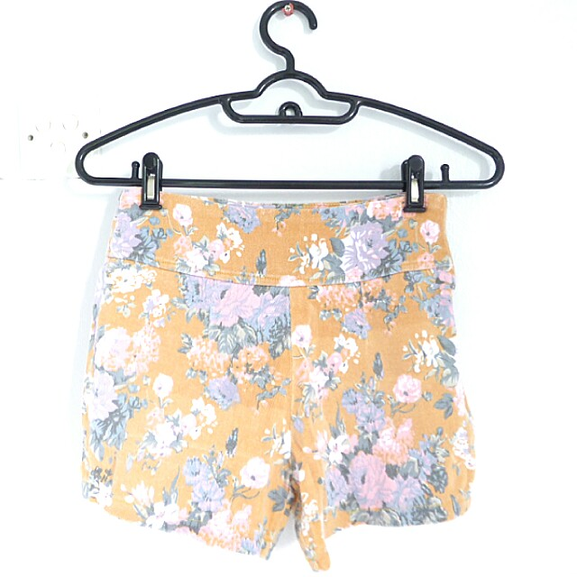 [PL] Light Brown Floral High-waisted Shorts